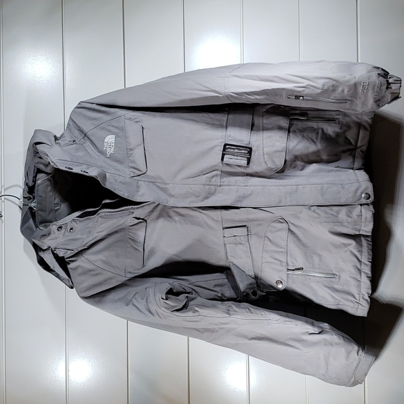 The North Face 550 HyVent jacket sz S